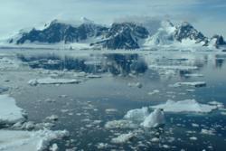 Tirlun o'r Antarctig : Credyd Llun - Dr Mike Meredith BAS Cambridge