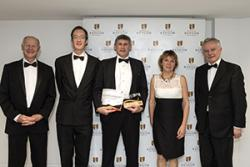 Ch-dd: Athro Charles Sheppard, (Prifysgol Warwick); Ronan Roche, Dr John Turner, Jane Lewis a'r Athro John G Hughes.