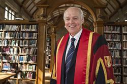Dr David Roberts