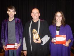 Gareth a Cefin yn dilyn y seremoni wobrwyo yn Eisteddfod Dyffryn Ogwen
