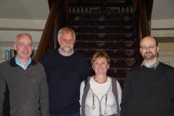 Chwith i dde: Mr. Hefin Gwilym, yr Athro Horst Unbehaun a'i wraig, a Dr. Stefan Machura