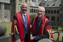 Myrddin ap Dafydd a Meirion Prys Jones.