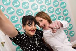 Cyflwynwyr Ty Arian yw Leah Hughes a Dot Davies.