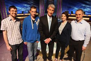 Bangor University's University Challenge Team with question master, Jeremy Paxman.