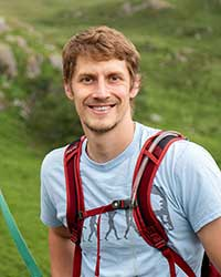 Dr Aaron Comeault